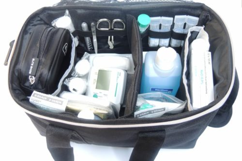 EliteBags Pflegetasche Hauptfach mit Trennstegsystem