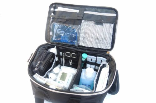 EliteBags Pflegetasche schwarz gefüllt