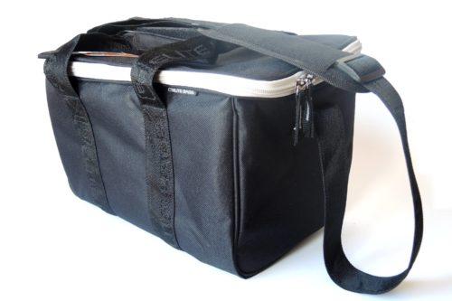 Kleine Pflegetasche Monty's schwarz geschlossen