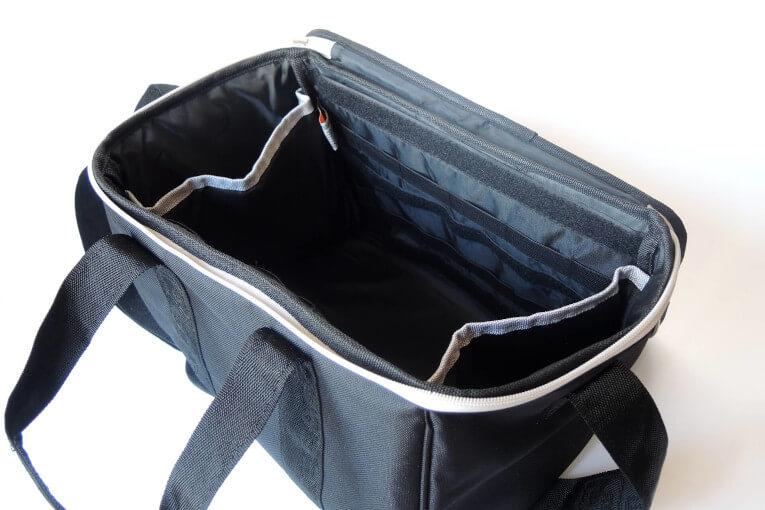 Kleine-Arzttasche-Pflegetasche-Elite-Bags-offen
