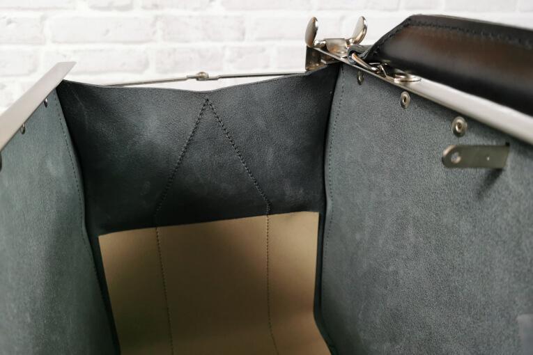 Arzttasche aus Leder mit Korkboden