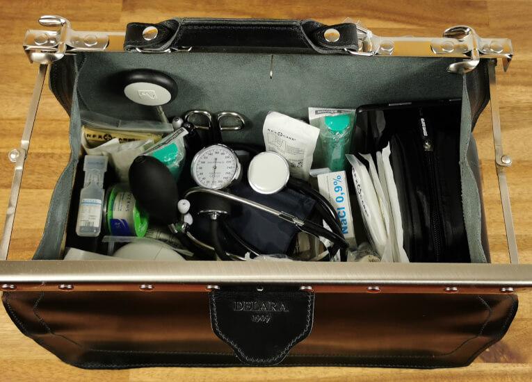 Delara Vintage Arzttasche mit Befüllung